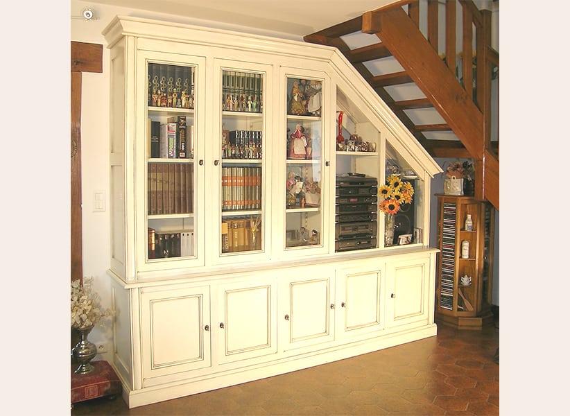 bibliotheque-sur-mesure-sous-escalier1
