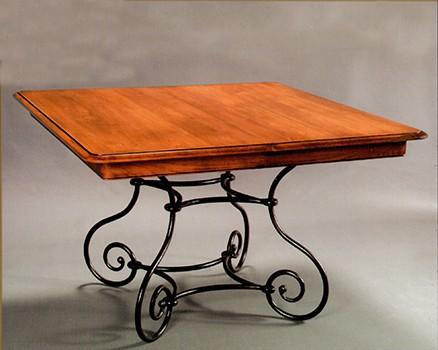 table rectangulaire pied fer forg louisiane vazard. Black Bedroom Furniture Sets. Home Design Ideas