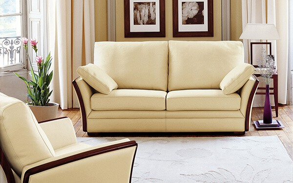 canape-camille-cuir-beige-ambiance-burov