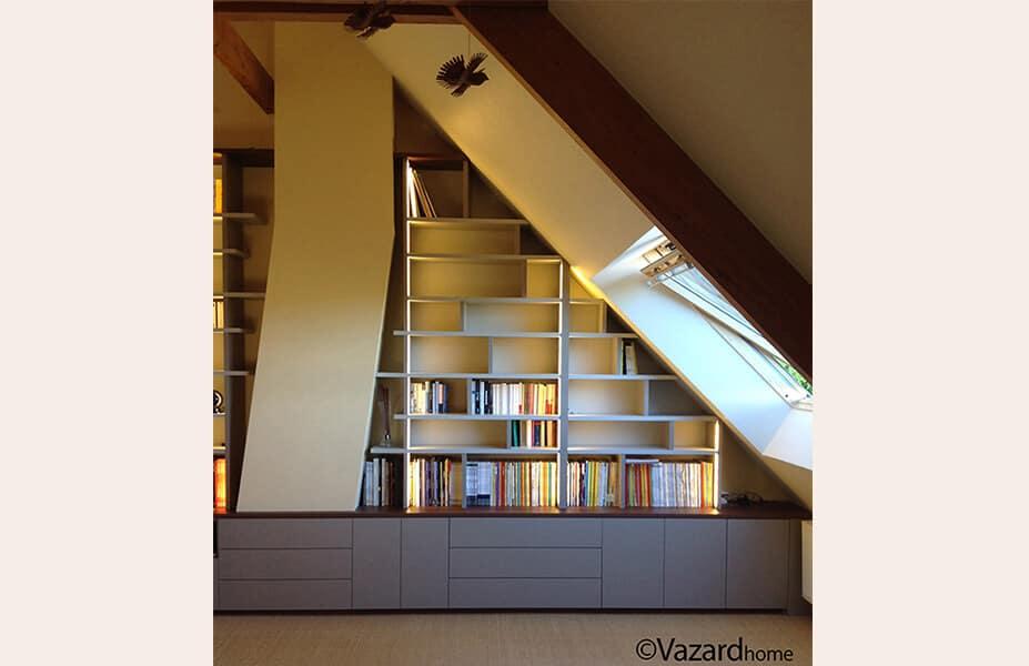 bibliotheque-home-cinema-sur-mesure-sous-pente
