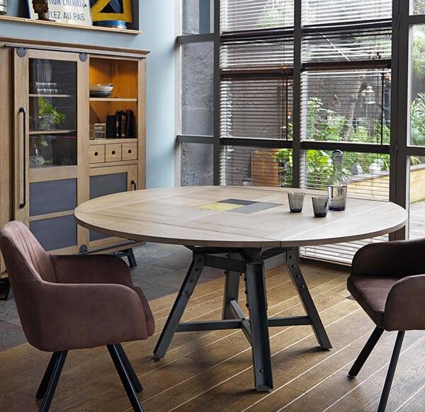 passerelle-table-carree-rallonge-ouverte-ambiance-atelier
