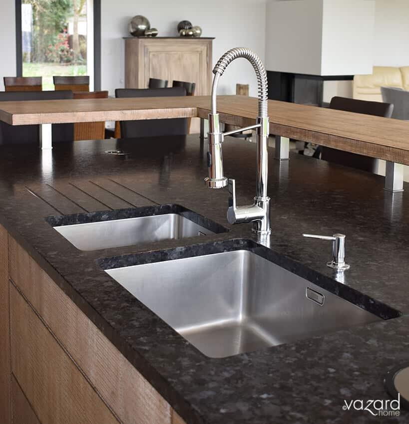 cuisine-sur-mesure-plan-de-travail-granite-vazard-home