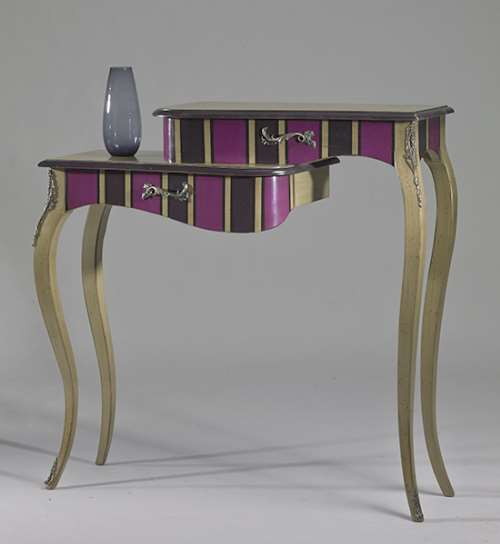 console-extravagance-rayures-couleur-dore