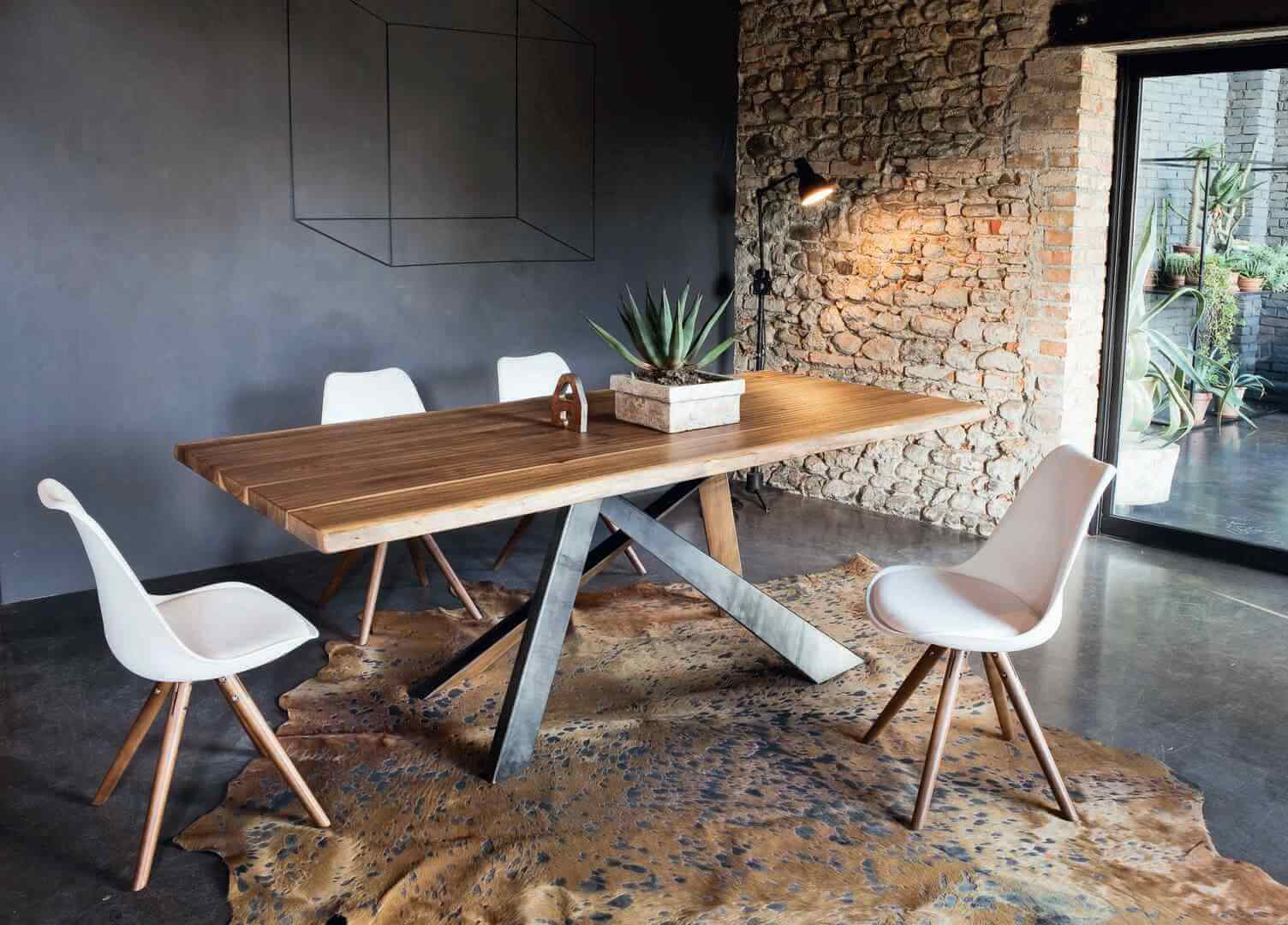table-a-manger-industrielle-pied-central-toronto